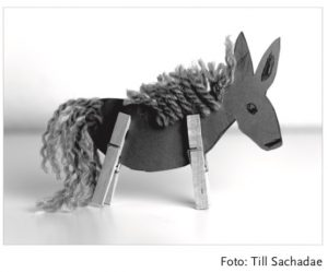 gebastelter Esel für Corona-Krise